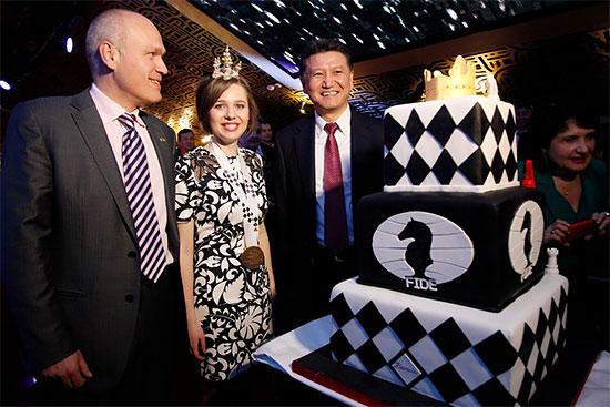 http://en.chessbase.com/Portals/4/files/news/2015/events/wwcch/closing%20ceremony/closing10.jpg