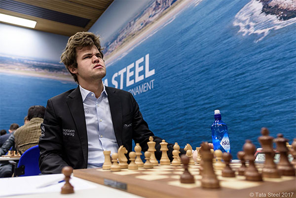 Carlsen's expression after 1.e4 d5 2.exd5 Nf6!?