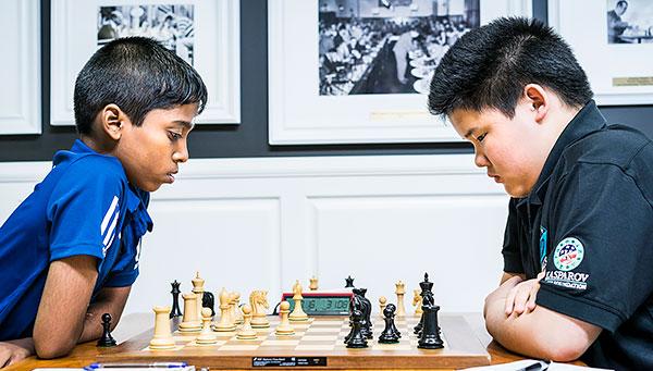 MI Awonder Liang (14 años, Elo 2536), de EE. UU. y Praggnanandhaa , de India (11 años, Elo 2479) |Foto: St. Louis Chess Club