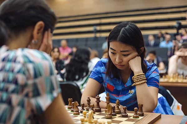 Alexandra Kosteniuk se impuso a Ju Wenjun al final de una batalla que duró 104 movimientos
