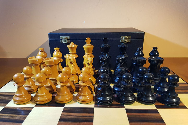 Tour of a chess set collection | ChessBase