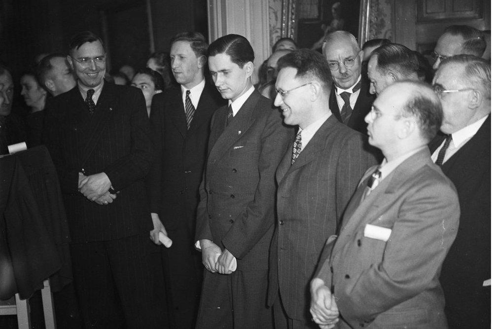 Max Euwe, Vasily Smyslov, Paul Keres, Mikhail Botvinnik and Samuel Reshevsky