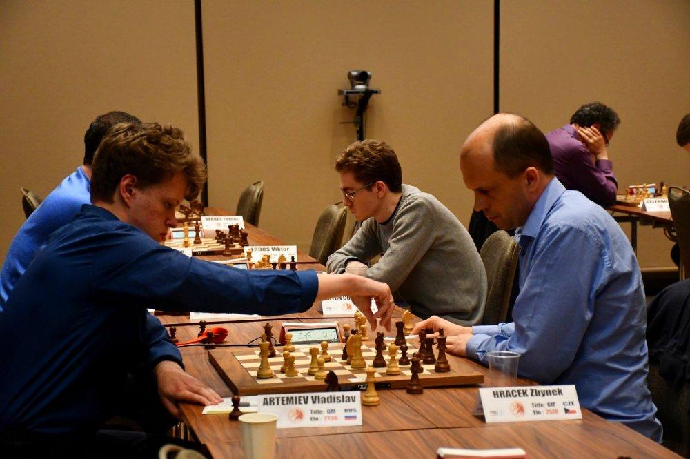 Artemiev vs Hracek