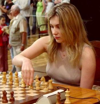 http://www.chessbase.com/news/2005/skripchenko02.jpg