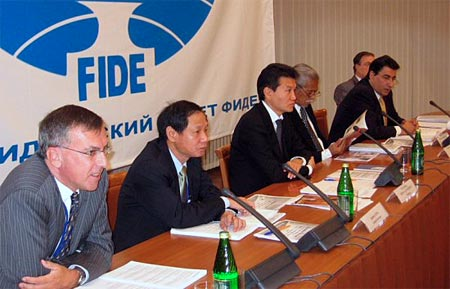 Presidential Council: Nigel Freeman (Treasurer), Ignatius Leong (Secretary), Kirsan Ilyumzhinov (President), Florencio Campomanes (Honorary President), Georgios Makropoulos (Vice President) and David Jarrett (Executive Director).