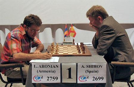 Aronian-Shirov, foto Chessbase