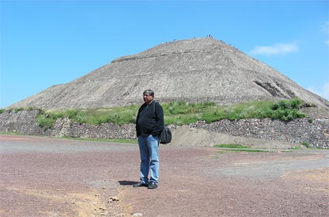 pyramids in mexico. the giant quot;Pyramid of the