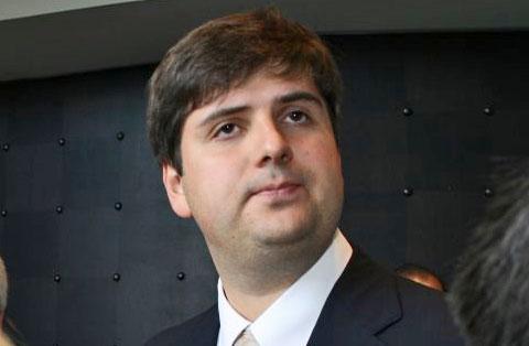 http://www.chessbase.com/news/2007/mexico/svidler03.jpg