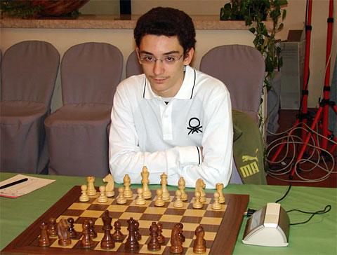 قویترین بازیکن ایتالیا استاد بزرگ فابیانو کاروانا(2640) در سن 16 سالگی