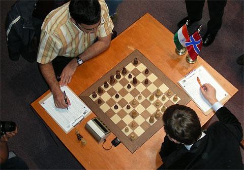 Viswanathan Anand vs. Magnus Carlsen... Morelia (Linares SuperGM XXV)