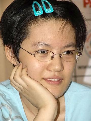 هو ییفان جوانترین بانو با عنوان استاد بزرگی مردان در سن 14 سالگی
