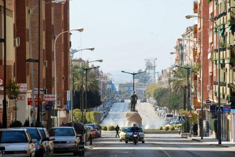 Main Street in Linares. Photo by Nadja Woisin.