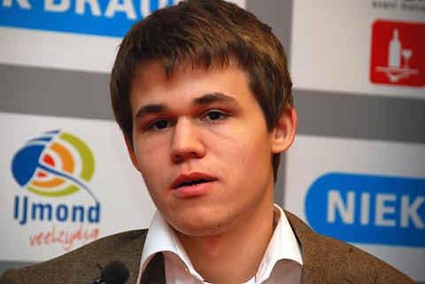 انصراف کارلسن از مسابقات قهرمانی شطرنج جهان!