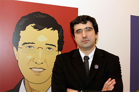 http://www.chessbase.com/news/2011/london/kramnik12.jpg