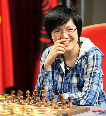 GM Hou Yifan defends crown!