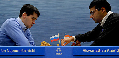 Anand (right) tried by was not able to break the Russian champion's fortress. Photo by Frits Agterdenbos of ChessVista.