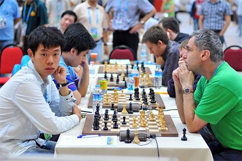http://www.chessbase.com/news/2012/istanbul/r11-01.jpg