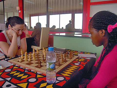 WGM Catalina Leite of Portugal (left) winning the women's prize.