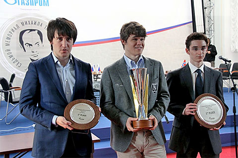 L-R: GM Teimour Radjabov (2nd), GM Magnus Carlsen (1st), GM Fabiano Caruana (3rd)