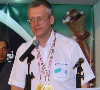 http://en.chessbase.com/portals/4/files/news/2007/vladimirov01.jpg