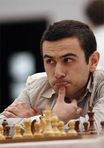Michael adams wins second ruy l pez international in for Giovanni adams