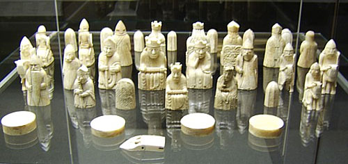 Norwegian icelandic war over the lewis chessmen chessbase - Lewis chessmen set ...