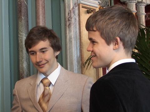 Sergey Karjakin y Magnus Carlsen en Bilbao 2007