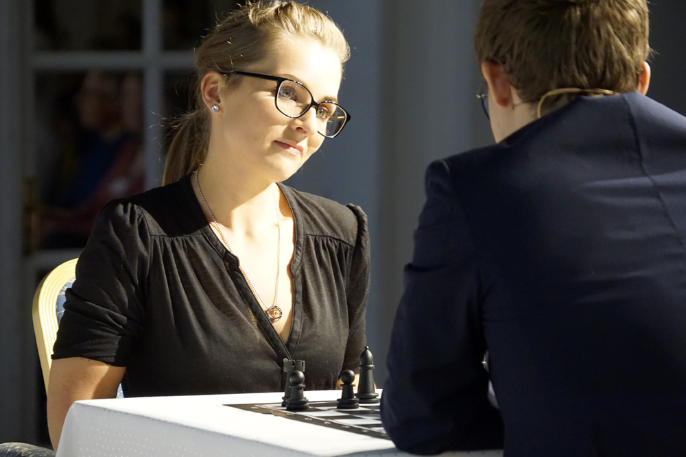 "Annemarie Obernauer (Austria) had her first serious game (and did well!) earned from playing the ""Play Magnus"" 