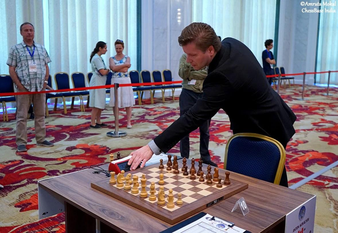 http://en.chessbase.com/portals/all/2017/Sagar/World%20Cup%202017/Ro7/arbiter.JPG