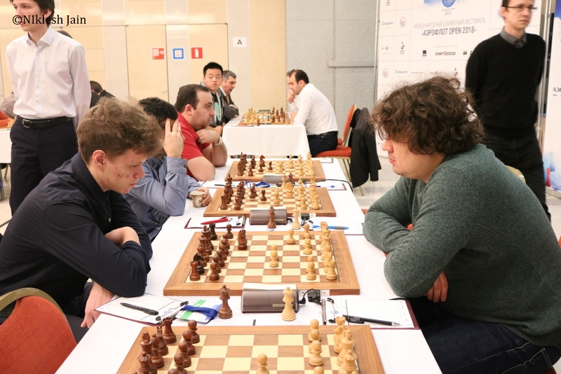 Anton Korobov and Vladislav Artemiev during their penultimate round encounter at the Aeroflot open 2018