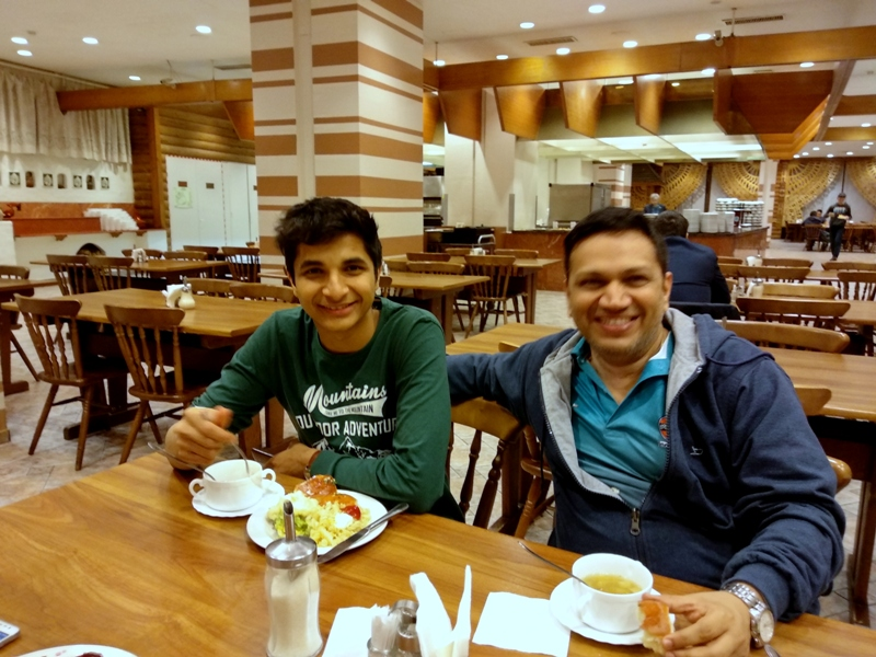 Vidit Gujrathi having dinner with his coach, Abhijeet Kunte after round 8 of the Aeroflot Chess Open 2018