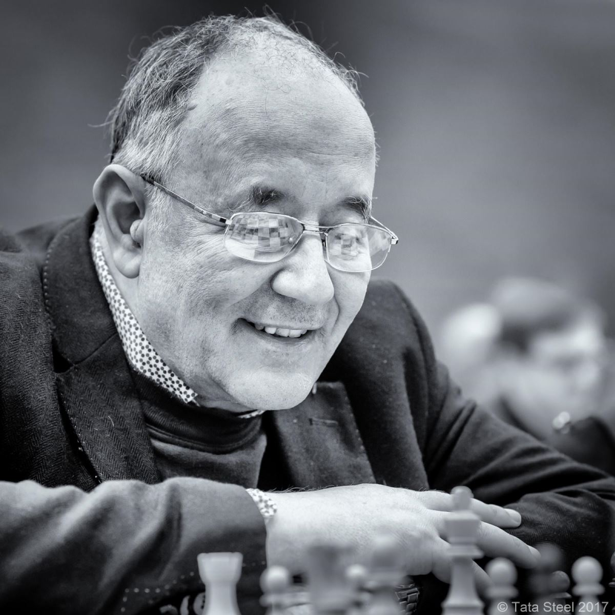 Happy chess player
