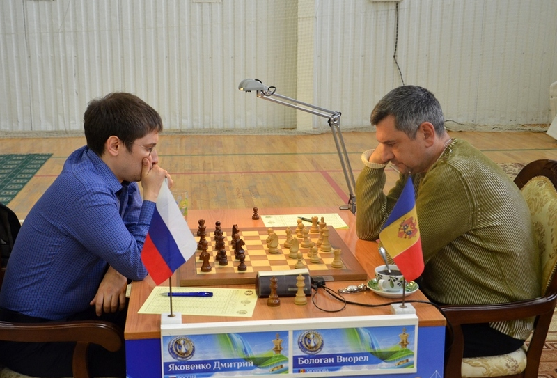 Victor Bologan and Dmitry Jakovenko during their seventh round game at the Karpov Poikovsky International