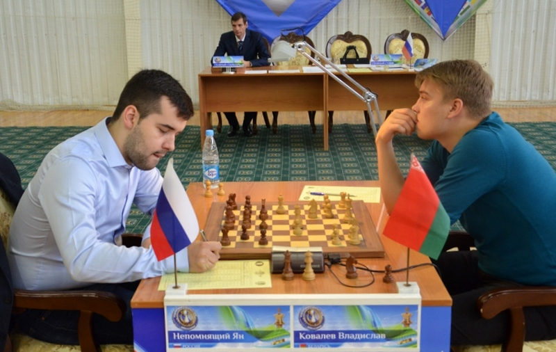 Nepomniachtchi against Kovalev in the seventh round of Karpov Poikovsky International