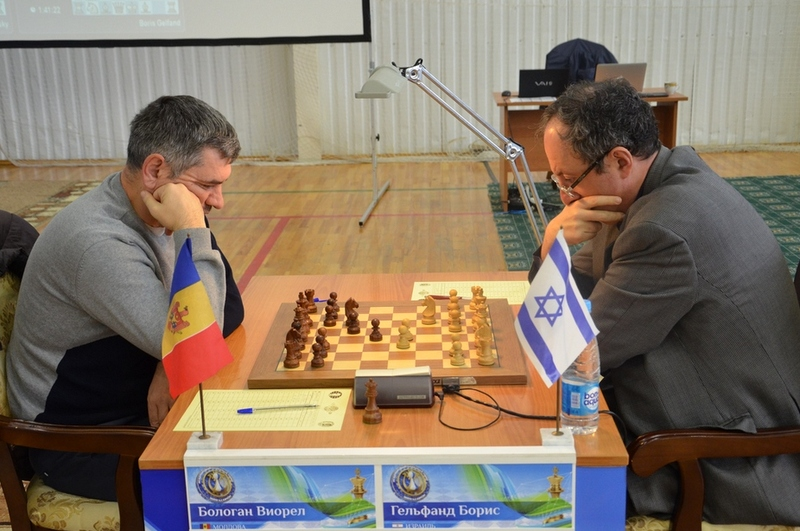 Boris Gelfand and Victor Bologan during their eighth round game at the Karpov Poikovsky International