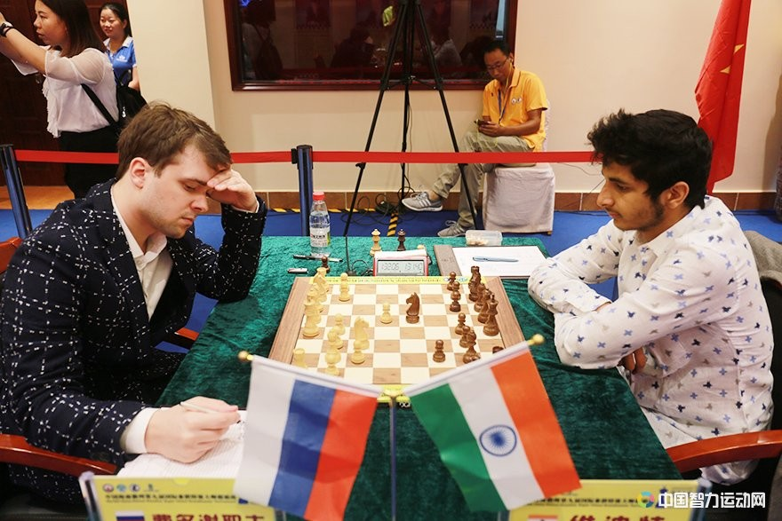 Vidit Gujrathi and Vladimir Fedoseev playing their second round game at the Danzhou Masters