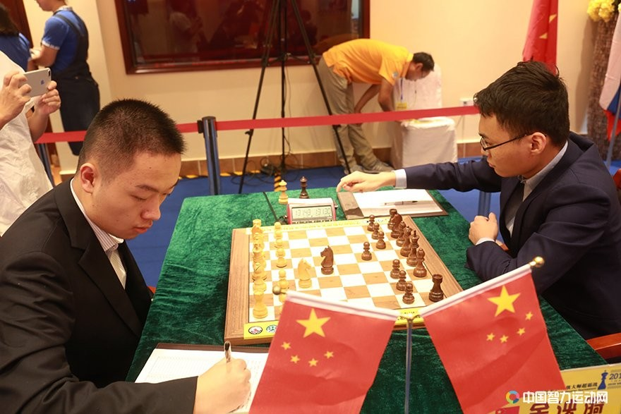 We Yi and Yu Yangyi during their third round game at the Danzhou Masters