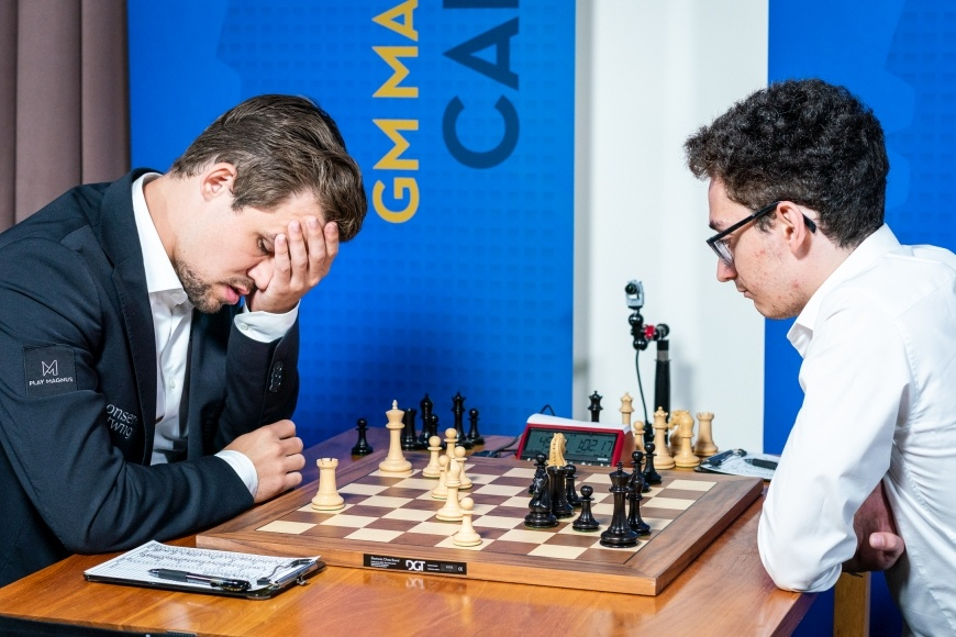 Magnus Carlsen during his seventh round game at the 2018 Sinquefield Cup against Fabiano Caruana