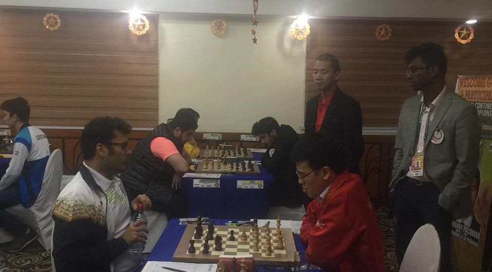 Surya Shekhar Ganguly and Le Quang Liem during their final round game