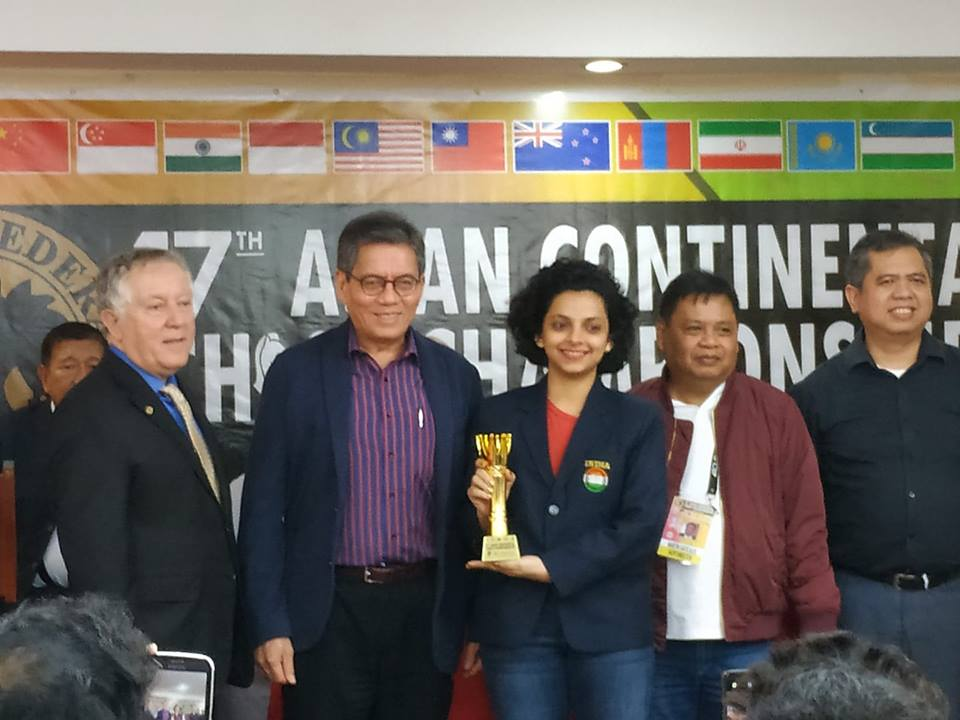 Padmini Rout receiving her prize at the Asian Continental Championship 2018