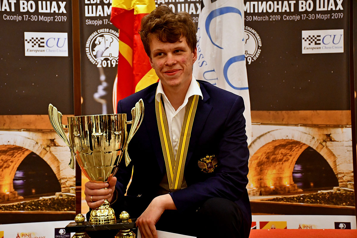 Artemiev with trophy