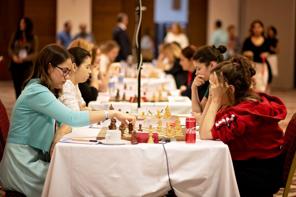 European Women 's Ch: Gaponenko s'empare de Kashlinskaya   – fitness