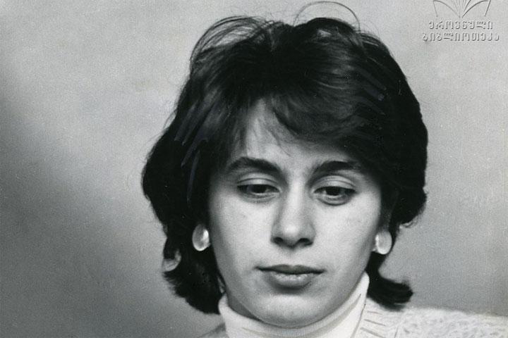 Chess icon Nana Alexandria turns 70