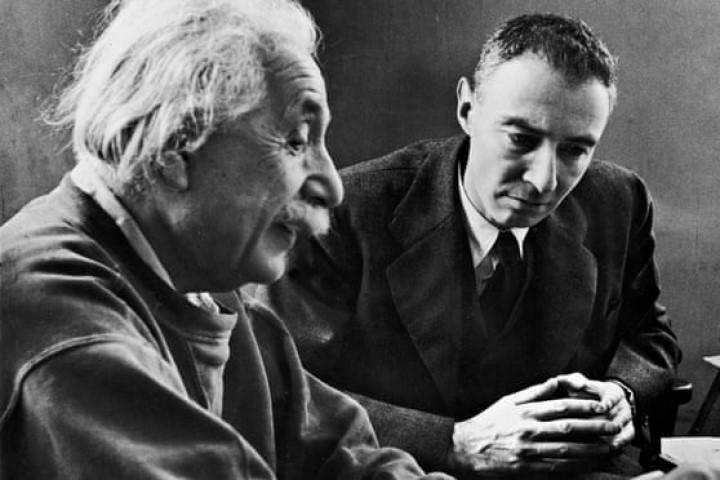 Do pawns disregard Einstein?