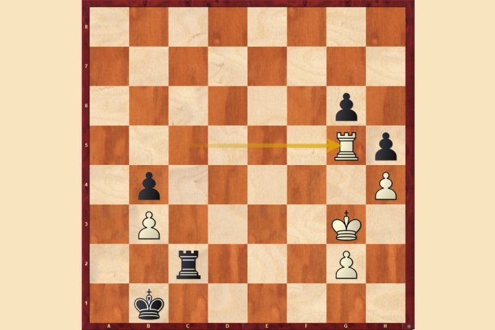 Pawn race in a rook ending